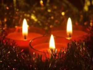 drie-kerst-kaarsen-met-br_4ce3aca763c5f-p